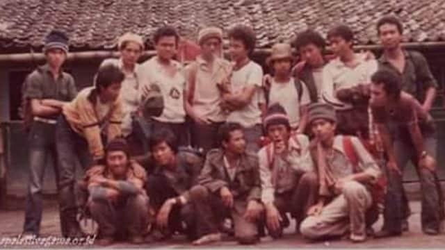 Jokowi Terkenang Rambut Gondrong dan Celana Cutbray saat Kuliah di UGM