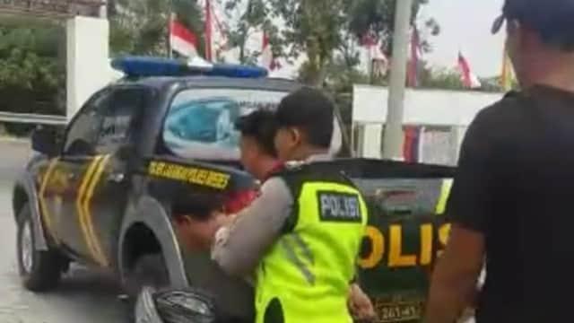 Bermobil, Pencuri Kotak Amal Masjid di Brebes Disergap Warga