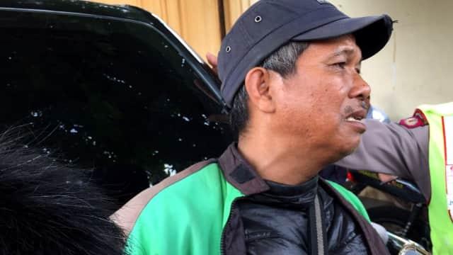 Tangisan Ahmad Nasution, Driver Ojek Online yang Antar Helmi ke Polda