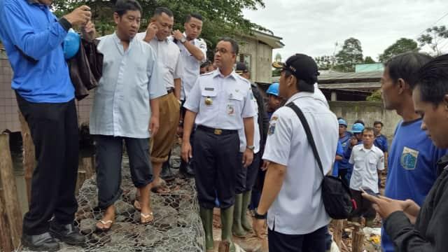 Anies Perintahkan Penyedotan Air di Jati Padang: Kita Kejar Cepat