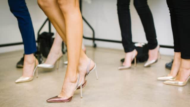 5 Tips Ampuh Atasi Kaki Lecet Akibat Sepatu
