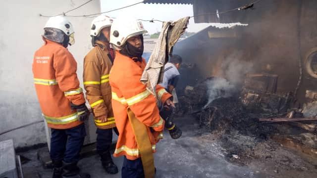 Kebakaran Terjadi di 2 Pusat Perbelanjaan di Surabaya