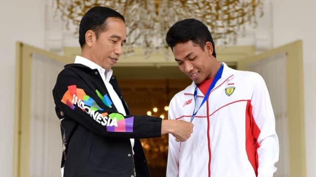 Pesan Jokowi ke Zohri: Jangan Sombong dan Selalu Rendah Hati