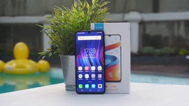 Review Vivo V11 Pro: Fingerprint Paling Pas, Selfie Masih Andalan