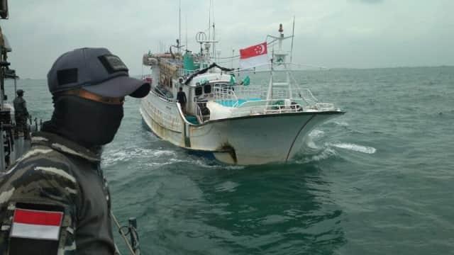 Kapal Nelayan Berbendera Singapura Ditangkap di Selat Philip