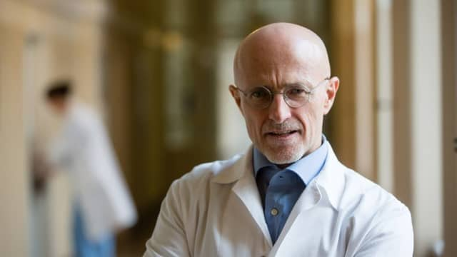 Dokter Ini Selangkah Lebih Dekat untuk 'Curangi Kematian'