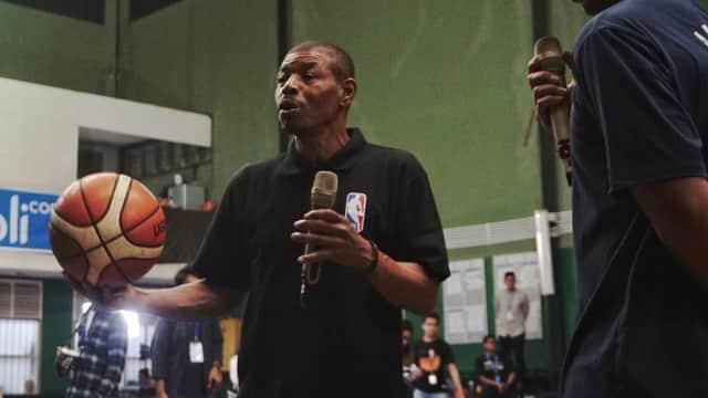 Legenda NBA, Muggsy Bogues, Beri Inspirasi ke Pebasket Muda Indonesia