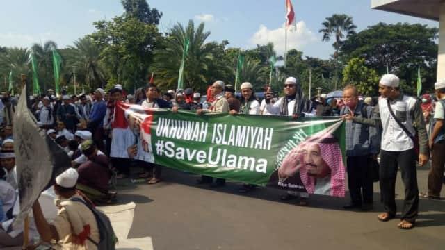 Riset Global Buktikan Orang Indonesia Paling Percaya pada Ulama dan TNI