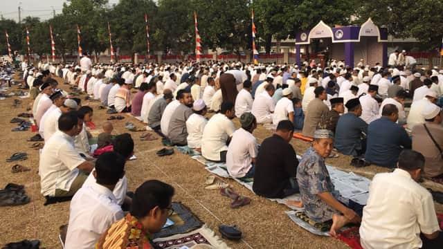 Jemaah Mulai Padati Masjid Al-Azhar, Siap Gelar Salat Idul Adha