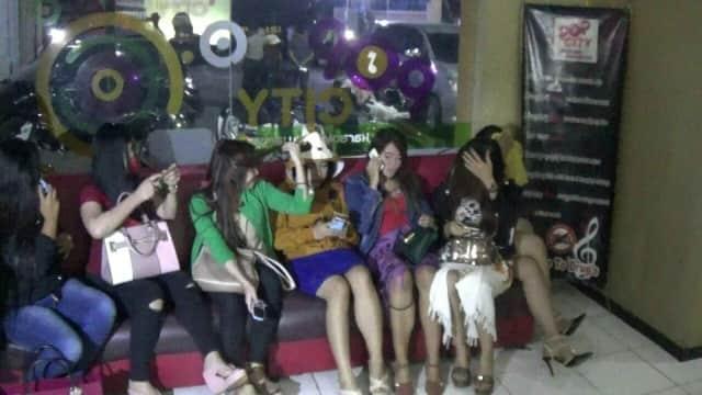 2 Purel Konsumsi Inex di Pop City Probolinggo
