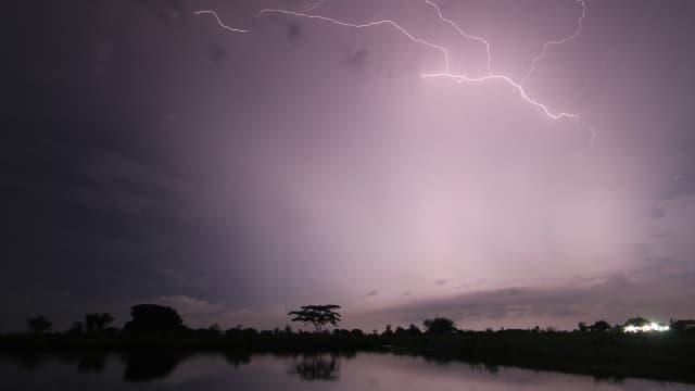 BMKG Beri Peringatan Potensi Hujan Meningkat di Jakarta dan Sekitarnya