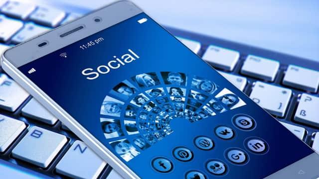 Media Sosial, Monyet, Penggunjing