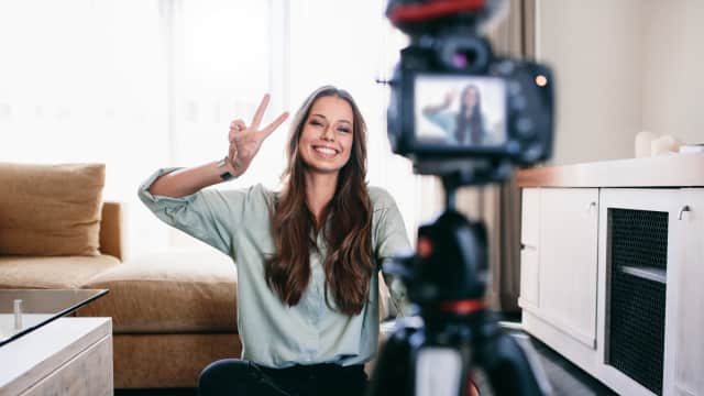 Kenapa Sih Milenials Hobi Banget Bikin Vlog?