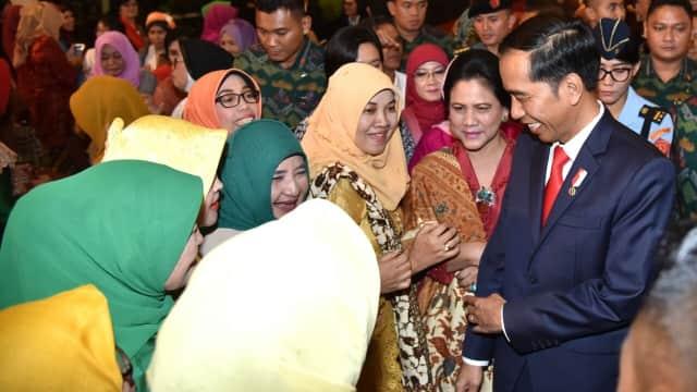 Jokowi Sapa Dosen Pembimbing Skripsinya di UGM yang Dulu Galak