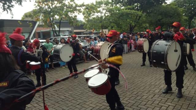 Marching Band SMK Jalasena Iringi Pembukaan Festival Danau Sunter
