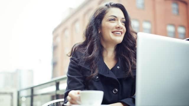 5 Cara yang Bisa Kamu Lakukan untuk Menjadi Wanita Mandiri