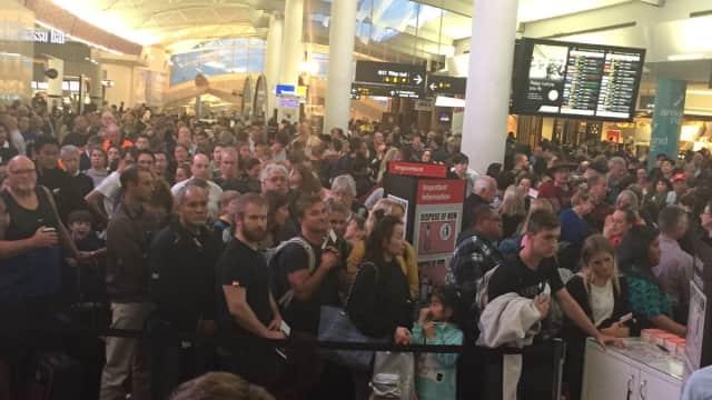 Perempuan Membawa Pisau Berhasil Terobos Keamanan Bandara Auckland