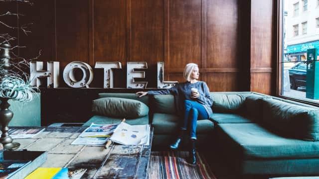 5 Ritual Wajib yang Perlu Kamu Lakukan saat Masuk ke Kamar Hotel