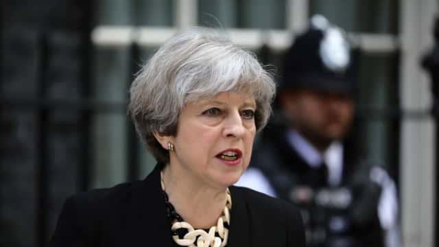 PM May Janjikan Anggaran Jutaan Pounds untuk Kembangkan AI Pendeteksi Kanker