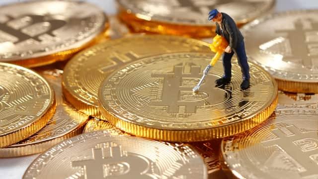 Bursa Bitcoin Diretas, Nilai Tukar Anjlok Hingga 10 Persen