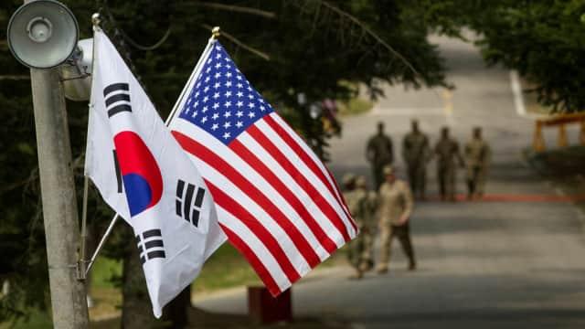 Usai Bertemu Kim Jong-un, Trump Tangguhkan Latihan Militer AS-Korsel