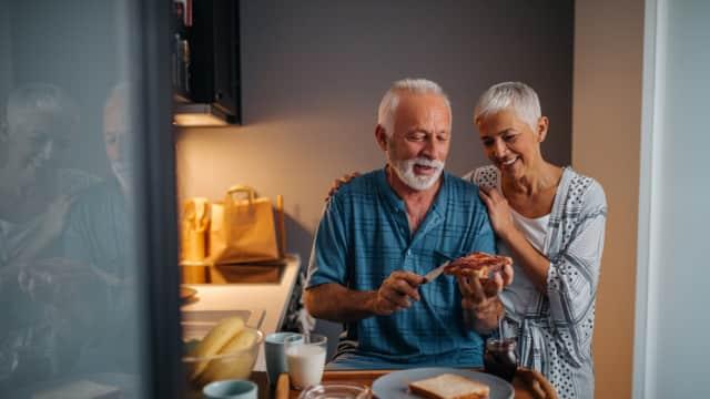 Jenis Asuransi Kesehatan yang Cocok untuk Orang Tua Usia 70 Tahun Keatas