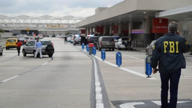 """Penembak di Bandara Fort Lauderdale Berkaus """"Star Wars"""""""
