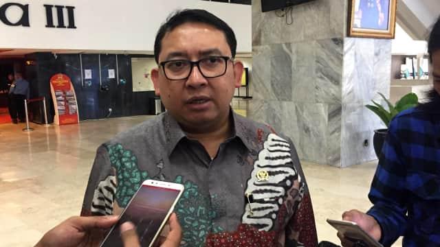 Fadli Heran Anies Dilarang Serahkan Piala ke Persija: Tanya Jokowi