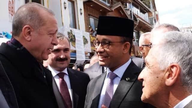 Saat Anies Berbincang dan Salat Jumat Bersama Erdogan