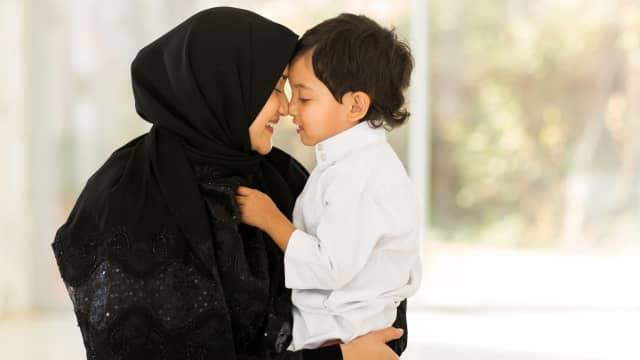 5 Tips Salat Tarawih di Masjid Bersama Anak