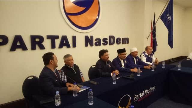 Ridwan Kamil dan Uu Tiba di Nasdem untuk Terima SK Pilgub Jabar
