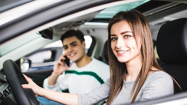 Waspada Naik Taksi Daring Tengah Malam, Ini yang Perlu Kamu Persiapkan untuk Keamanan Diri
