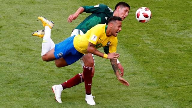 Kesalnya Neymar akibat Kartu Kuning dan Reputasi Tukang Diving