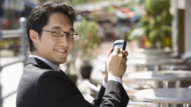 Kamu Mengecek Handphone Lebih dari 10 Ribu Kali dalam Setahun