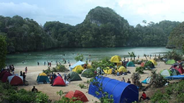 5 Pantai di Malang yang Cocok untuk Lokasi Kemah