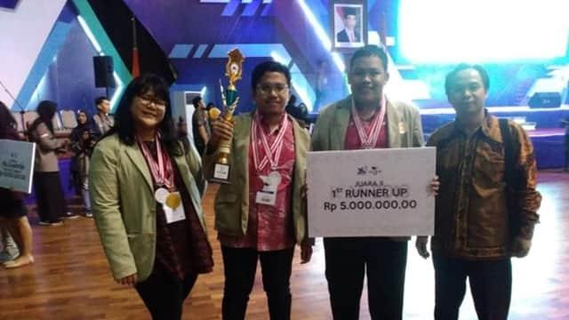 UGM Raih Juara di Kompetisi Debat Mahasiswa Indonesia