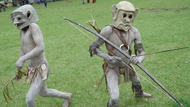 Suku Asaro, 'Manusia Lumpur' dari Papua Nugini