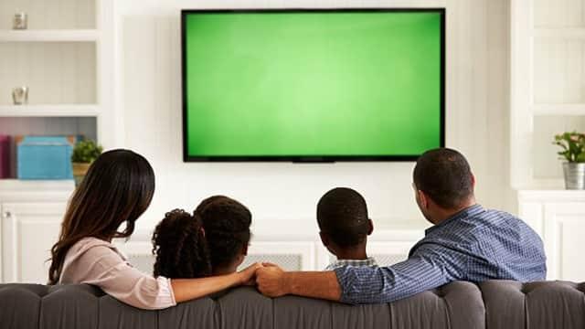 Sering Menonton TV Bisa Berdampak Buruk Bagi Ibu Rumah Tangga