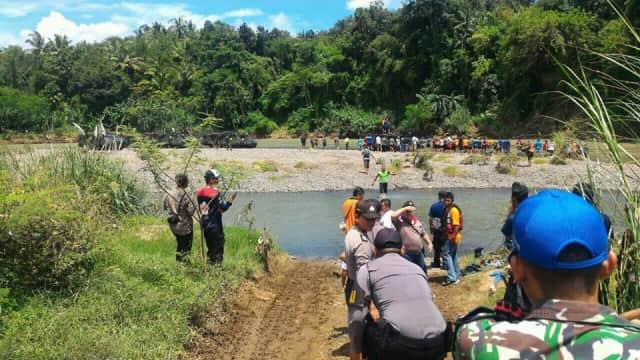 Tank yang Terperosok di Sungai Bogowonto Sudah Beroperasi Kembali