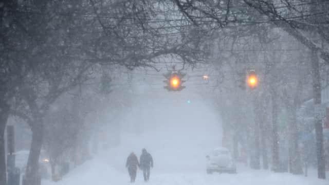 Badai Salju Terjang AS, 14 Tewas dan 5.000 Penerbangan Dibatalkan