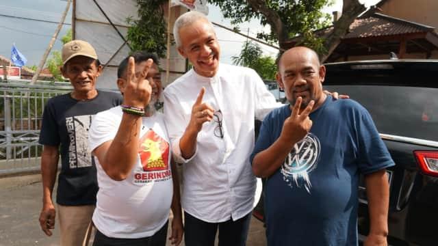 Hari Terakhir Kampanye, Ganjar Kunjungi Rumah Keluarga Sudirman Said