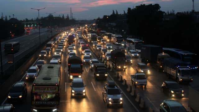 One Way Diberlakukan di Tol Cikampek Arah Jakarta