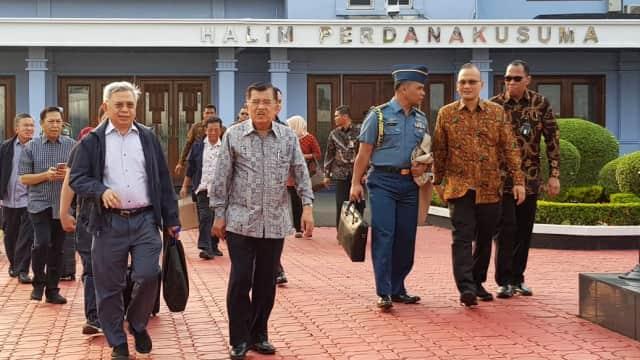 Bertolak Ke Makassar, JK Melayat Tantenya yang Meninggal Dunia