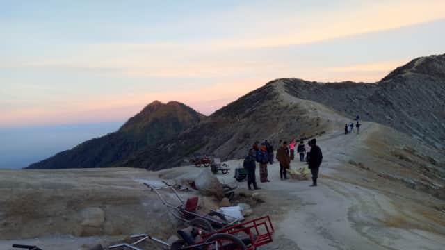 Menilik Sejarah Gunung Ijen