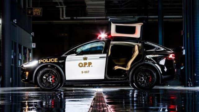 Pensiunkan Mobil Diesel, Tesla Model X Jadi Armada Polisi di Swiss