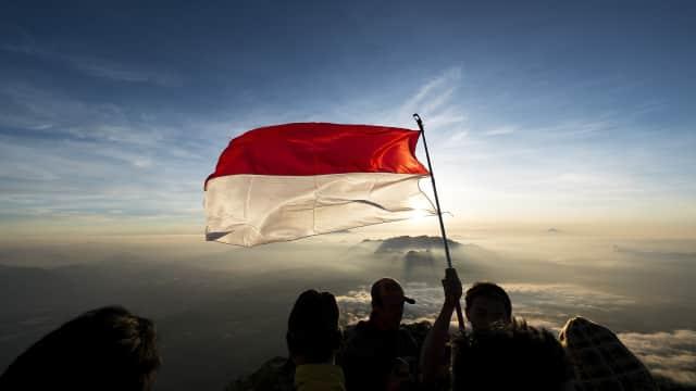 Industrialisasi Komunitas Adat: Apakah Indonesia Benar-benar Merdeka?