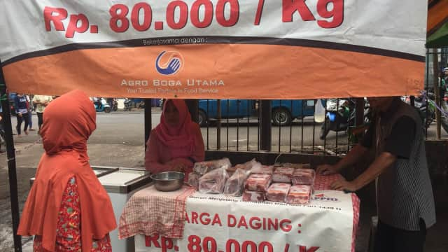 Pedagang Ini Berani Jual Daging Kerbau Rp 80 Ribu/Kg di Pasar Minggu