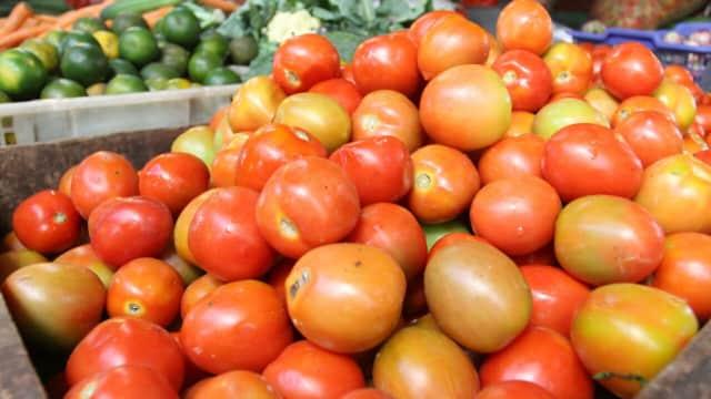 5 Buah yang Sering Dianggap sebagai Sayur
