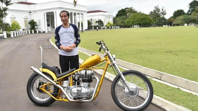 Jokowi Bakal Sisir Trans Kalimantan dan Papua Naik Motor `Emas`