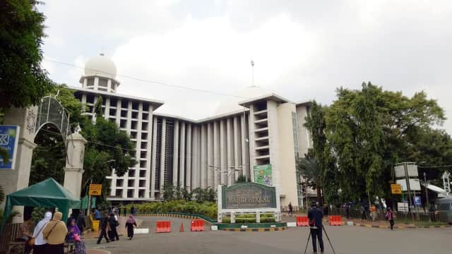Polisi Tangkap Terduga Pengirim Pesan Teror Bom di Masjid Istiqlal